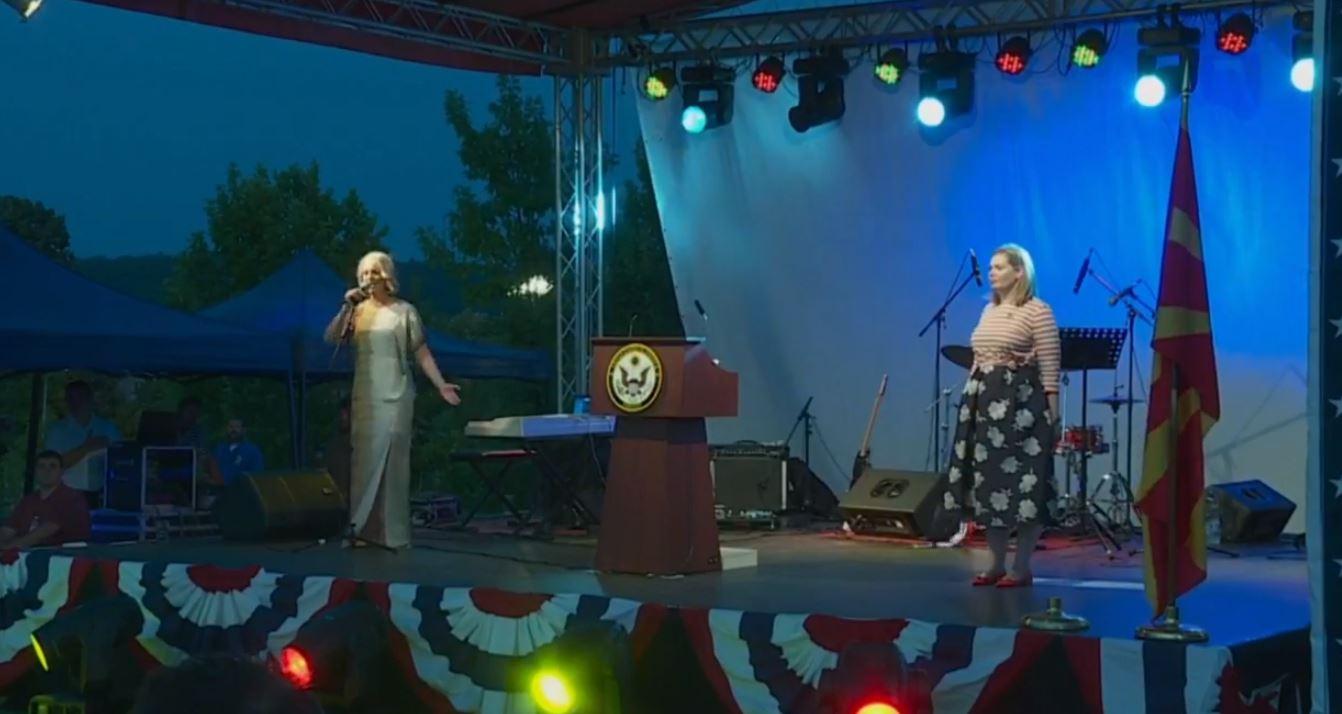 Himni nga Tamara  SHBA  Gabimet mund të ndodhin pa dashje në momente emocionale
