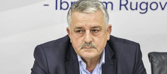 Veliu   Osmanit  Përkthyese e Thaçit  nuk guxoi t i hyjë garës në Mitrovicë