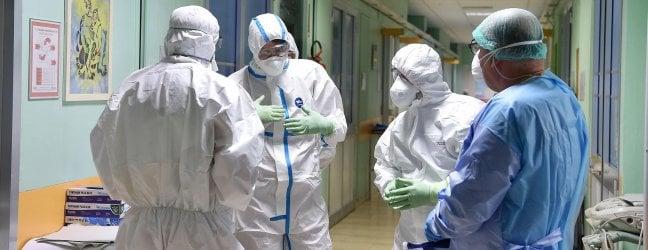 Arrin në 30 numri i të vdekurve nga virusi Korona