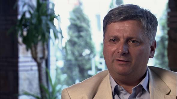 Migjen Kelmendi thotë se mbështetësit e Vetëvendosjes po ia dëshirojnë vde kjen Isa Mustafës